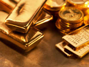 Gold prices plunged to a six-week low by losing Rs 330 to Rs 30,870 per 10 gm on heavy selling by stockists triggered by a meltdown in global markets