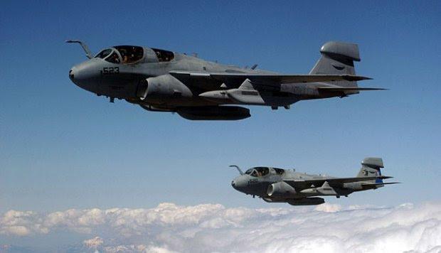 Pesawat EA-6B Prowler, Pengacau Radar dan Pertahanan Elektronika