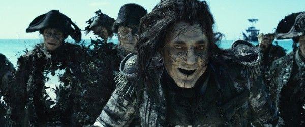 Piratas-do-caribe-mortos-homens-dizer-não-contar-fantasma-piratas