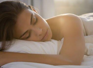 Estudo aponta que 37% das mulheres têm orgasmos enquanto dormem