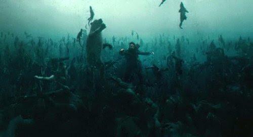 Noah tem uma visão de sonho, onde todos os seres humanos morrem afogamento, mas os animais a nadar para a Arca.