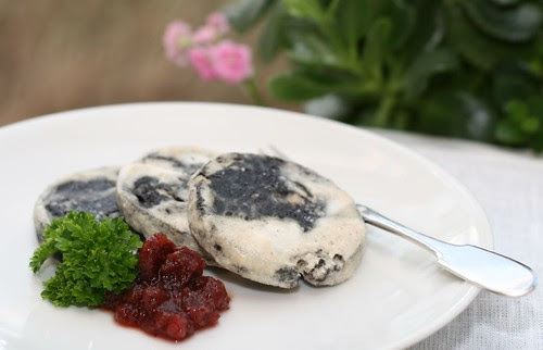 Fried black pudding / Praetud verikäkk hapukoorega