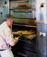 the loneliness of the long-distance pizzaiolo