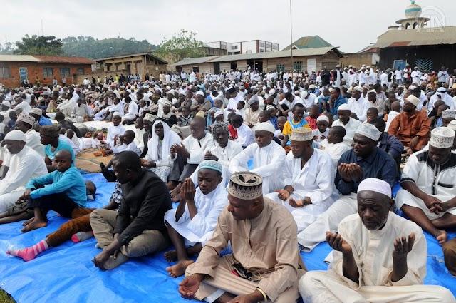 المسلمون بشرق #الكونغو_الديمقراطية ينشدون السلام في #عيد_الأضحى