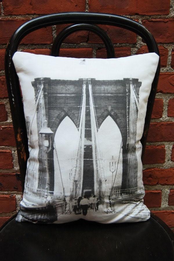 NEW - BROOKLYN BRIDGE Pillow 12 x 17 /joZIge