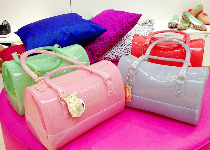 Bolsas de corujinha em algumas das cores disponíveis!
