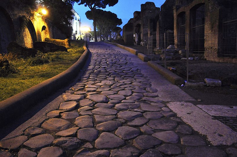 File:Rome Clivus Argentarius 9-01-2011 18-32-06.JPG