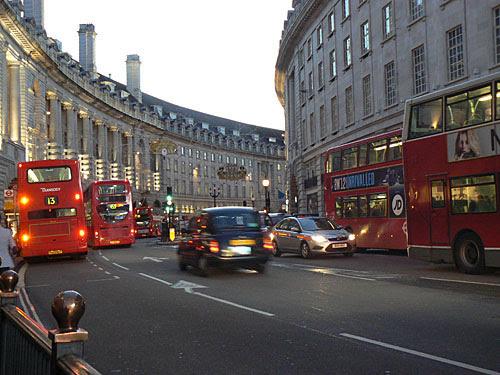 taxi sur regent street.jpg