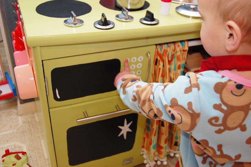 Play Kitchen_10