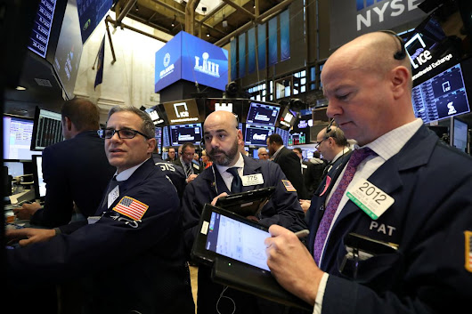 Wall Street drops as economic outlook, corporate forecasts sour