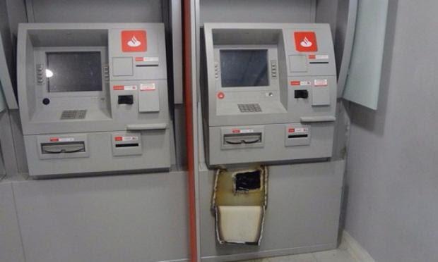 Caixa eletrônico foi danificado com uso de um maçarico, diz Polícia / Foto: Divulgação/Agreste Violento.
