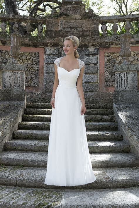 3905 Wedding Dress from Sincerity Bridal   hitched.co.uk