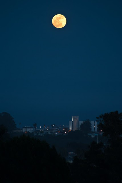 supermoon over santa cruz