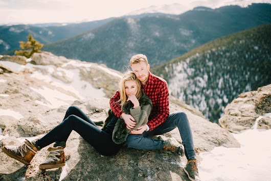 ENGAGEMENT PHOTOS DONE OH SO RIGHT | It Girl Weddings