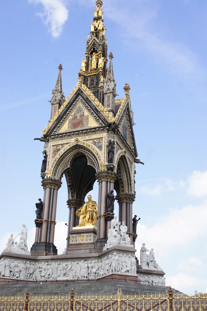 O lindíssimo Albert Memorial (marido da Queen Victoria).