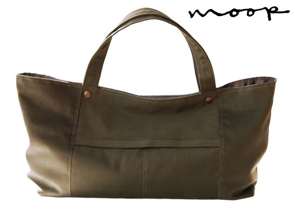 The Fraulein Tote in Sage