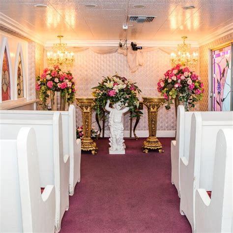 Little White Chapel Ceremony   A Little White Wedding Chapel