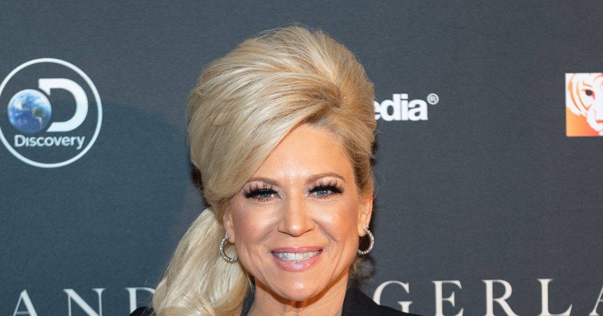 Theresa Caputo New Haircut - Top Hairstyle Trends The