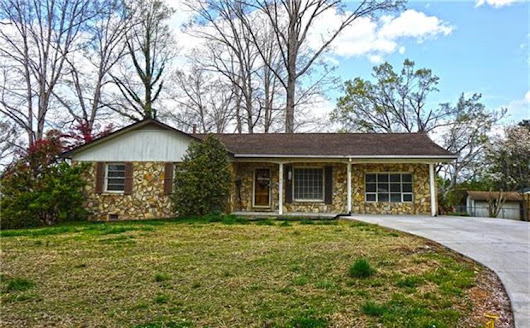 6704 Lakeview Terrace, Hickory NC 28601 For Sale, MLS # 3376659, Weichert.com