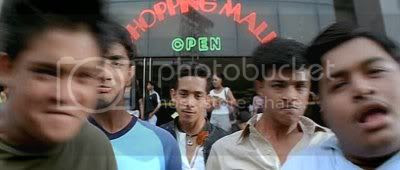 http://i631.photobucket.com/albums/uu31/nickikim07/Boys/PDVD_013.jpg