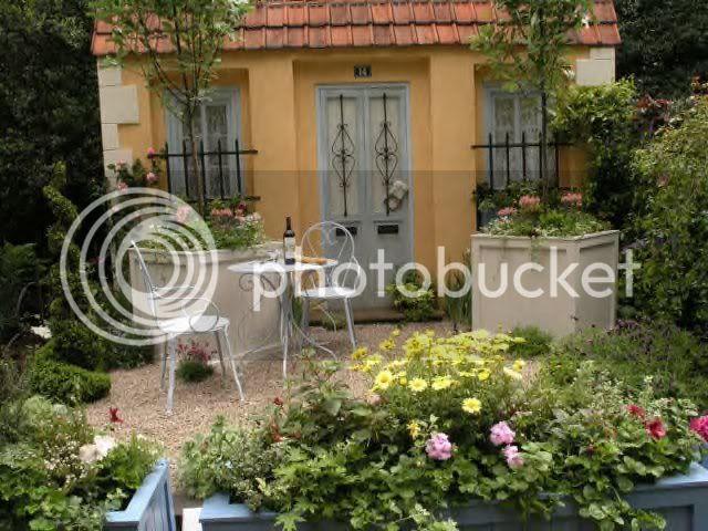 French Inspired Courtyard Garden Photo by fairweatherlewis