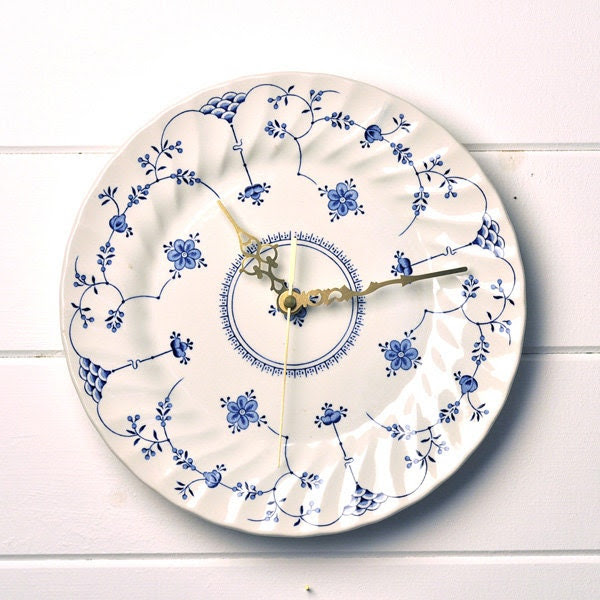 White and Blue English British Vintage China Plate Silent Wall Clock Unique house warming gift - LaviniasTeaParty