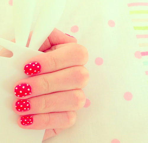 beautiella:  ♡beautiella// ask me to check out your blog, i need blogs to follow♡