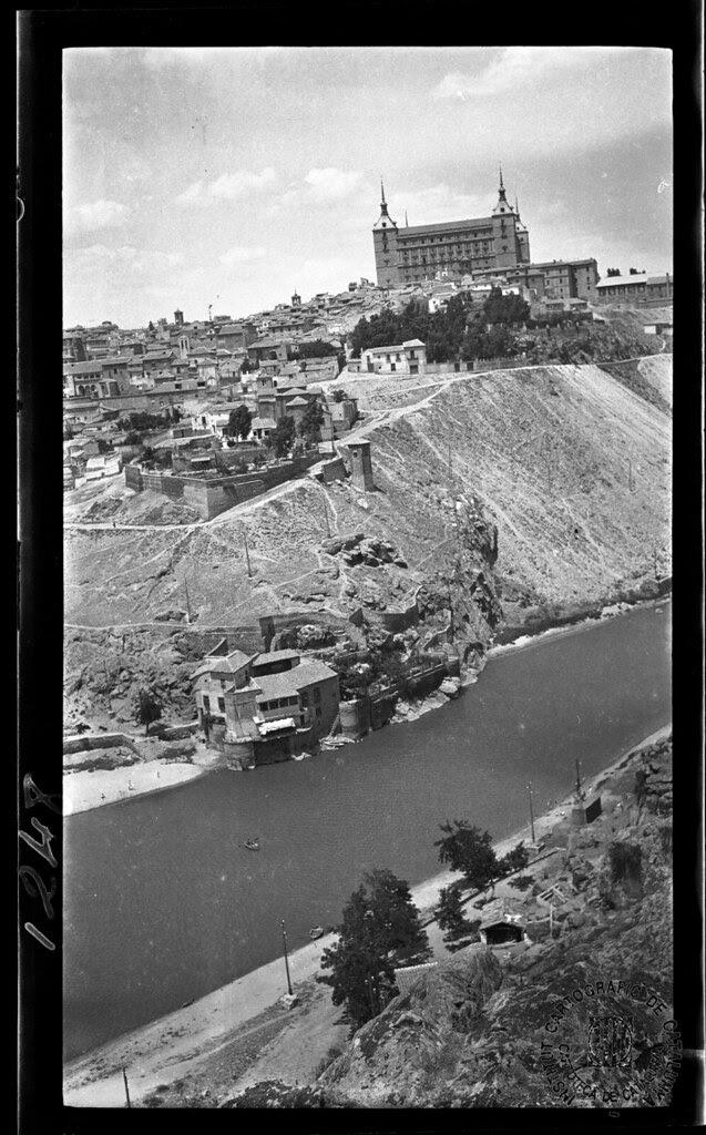 Vista de Toledo y Casa del Diamantista en 1933. Fotografía de Gonzalo de Reparaz Ruiz. © Institut Cartogràfic de Catalunya