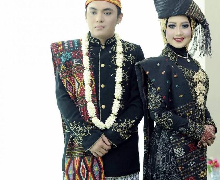 Apa Nama Pakaian Adat Dari Sumatera Utara - Baju Adat ...