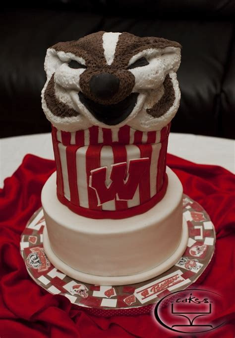Bucky Badger cake #2   ???UW   Madison ???   Pinterest