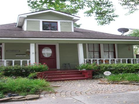 exterior paint colors  red brick homes small front
