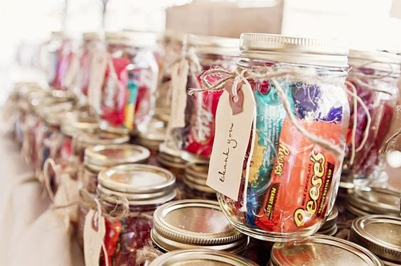 19 Affordable Mason Jar Wedding Favors Your Guests Will Love