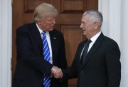 Donald Trump et James Mattis se sont rencontrés... (PHOTO AP) - image 4.0