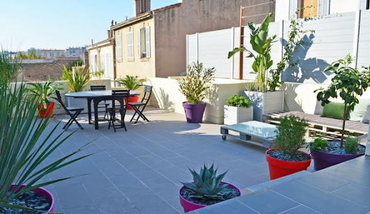 Aménager une grande terrasse : 10 solutions possibles