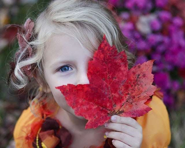 girl leaf photo