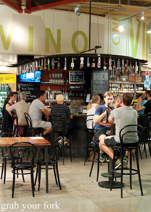 beer and wine bar at whole foods market flagship store supermarket groceries austin texas
