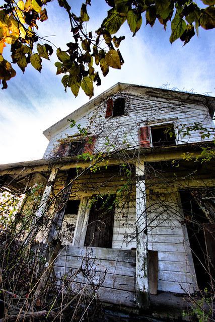 The Tale of an Abandoned Farmhouse and a Serial Killer