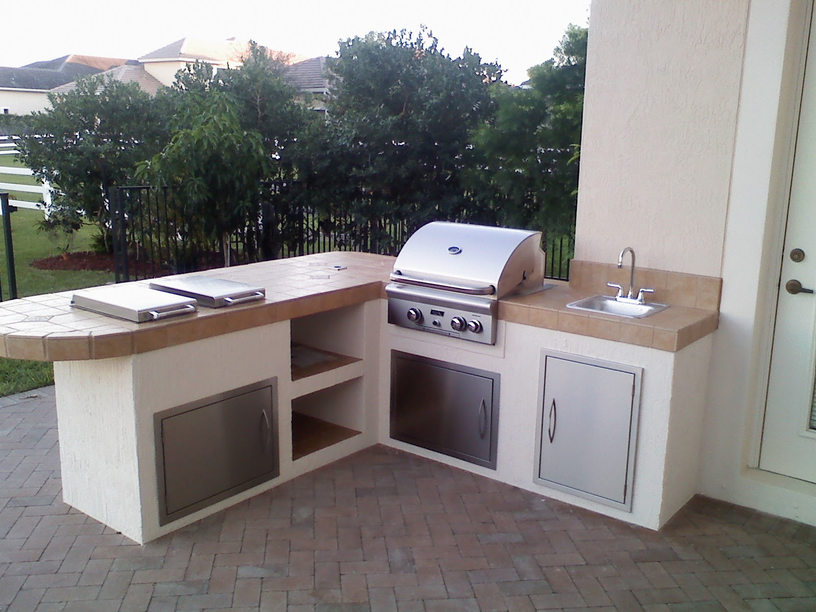 Built In Outdoor Charcoal Grill Outdoor Designs