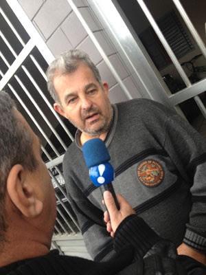 Eletricista José Luiz Romanin, pai de Aline Romanin, que foi baleada por criminosos em Diadema (Foto: Kleber Tomaz / G1)