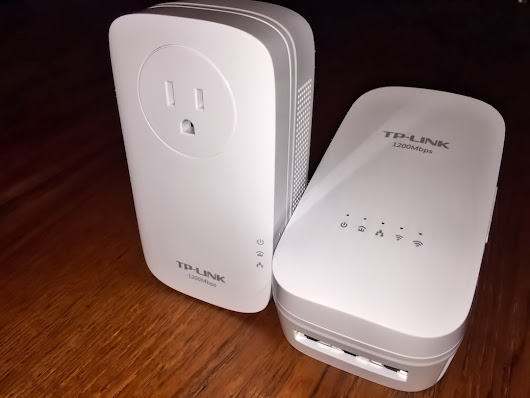 TP-LINK WiFi Extender with Powerline Adapter