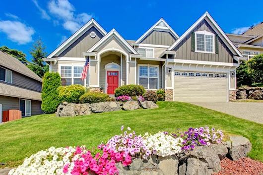 9 Quick Ways to Boost Your Home's Curb Appeal | HomeTips