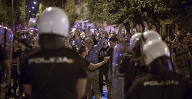 Una de múltiples protestas que ha tenido lugar en Murcia en las últimas semanas por el soterramientos del AVE. efe