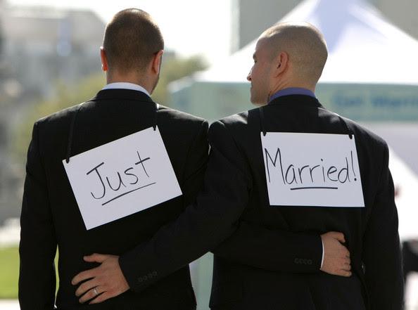 http://i2.wp.com/1.bp.blogspot.com/-CaErw33lcj0/ULU8h6uxGCI/AAAAAAAAFhc/4TFo5Ca5QWY/s640/gay-wedding-04.jpg?resize=594%2C441