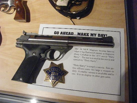 44 magnum. 44 Magnum du film Dirty Harry