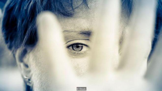 Bạn có thể thuận mắt phải giống như thuận tay phải (Ảnh: iStock)