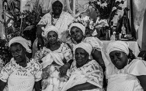 """Racismo promove intolerância religiosa"", afirma fotógrafo Roger Cipó"
