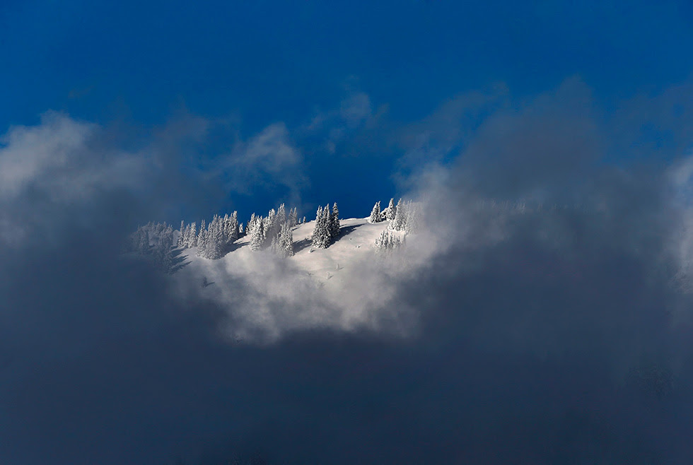 La nieve cubre una montaña cerca de Balderschwang (Alemania).