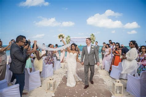 5 Differences Between UK And Mexico Wedding Ceremonies You
