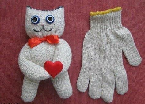 как сделать кота из перчатки