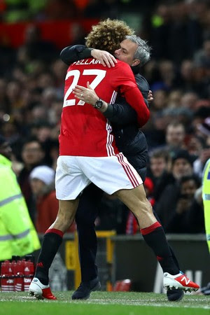 Fellaini e José Mourinho, Manchester United x Hull City (Foto: Clive Mason/Getty Images)